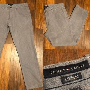 [Tommy Hilfiger] 33x32 Grey Chino Slacks